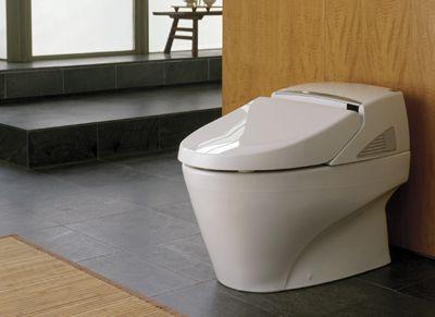 Đánh bóng bồn vệ sinh TOTO đúng cách như thế nào?